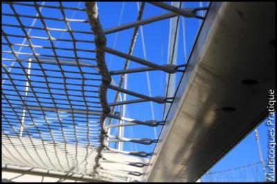 trampoline fixé sur rail