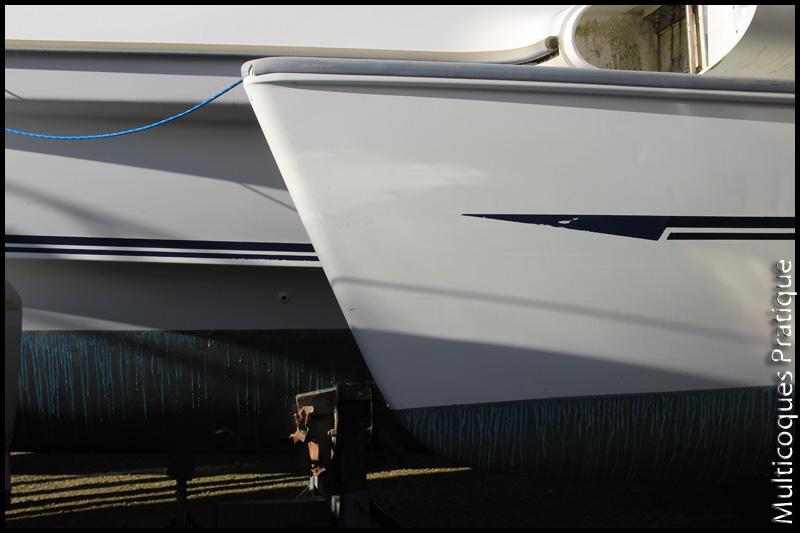 Étrave incliné d'un flotteur de Dragonfly 920